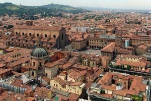 Bologna, contributi per l'affitto: priorità a famiglie con minori e under 35