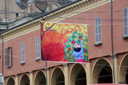 """Reggio Emilia, """"100 bandiere per i diritti"""": dai ragazzi una mostra a cielo aperto"""