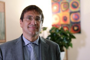 """Matteo Lancini: """"Genitori influencer e adolescenti da crescere bene"""""""