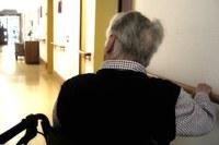 Visite in sicurezza agli ospiti delle Strutture residenziali per anziani e disabili: entro la prima decade di novembre tamponi rapidi gratuiti ai parenti